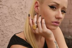 (Photos) Iggy Azalea Shows Off Her Cakes! Fellas, hit the jump and check out Iggy Azalea showing off her cake in some… Celebrity Gossip, Celebrity News, Celebrity Style, Iggy Azalea Tattoos, Def Jam Recordings, Artists And Models, Celebs, Celebrities, Beautiful Models