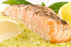 Salmon steak on a bed of leeks - Recettes - Meat Recipes Stew Meat Recipes, Beef Stew Meat, Crockpot Recipes, Cooking Recipes, Healthy Recipes, Roast Recipes, Salmon Steak Recipes, Fish Recipes, Unstuffed Cabbage Soup
