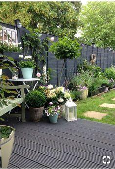 30 Adorable Black Garden Ideas For Amazing Garden Inspiration - Backyard Garden Inspiration