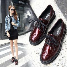 2017 Primavera Mulheres Brogue Sapatos De Couro Mulher Patente Sapatos Casuais Estilo Britânico Mulheres Oxfords Sapato Plataforma Das Mulheres Da Forma Plana em Apartamentos das mulheres de Sapatos no AliExpress.com | Alibaba Group