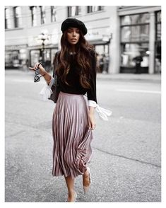 Mode Outfits, Fall Outfits, Fashion Outfits, Fashion Tips, Fashion Weeks, Chic Outfits, Fashion Clothes, Pleated Skirt Outfit, Skirt Outfits