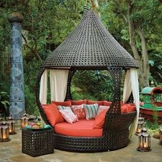 Gorgeous and Unique Outdoor Day Beds