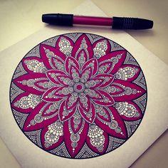 Images and videos of artwork Mandala Doodle, Mandala Art Lesson, Mandala Artwork, Mandala Drawing, Mandala Painting, Dot Painting, Doodle Art, Mandala Design, Grafiti