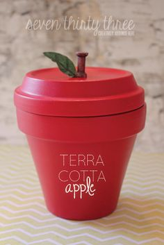 seven thirty three BACK TO SCHOOL: Terra Cotta Apple {Tutorial} Looking for a fun and unique Teacher Gift Idea? Try making this simple Terra Cotta Apple that can be filled with goodies. Flower Pot Crafts, Clay Pot Crafts, Fun Crafts, Crafts For Kids, Teacher Appreciation Gifts, Teacher Gifts, Craft Gifts, Diy Gifts, Deco Harry Potter