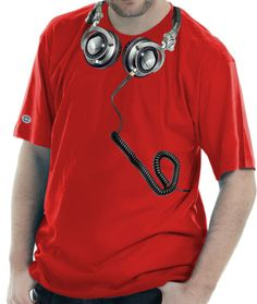 Camiseta estampada com a imagem do Headfone Technics.