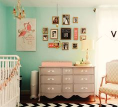 adorable nursery...I'd like that to be my room