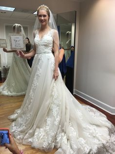 Sybil wedding dress maggie sottero wedding dress and recycled bride sybil by maggie sottero junglespirit Images