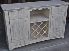 wine hutch....I so want to make this. and by that I mean I want my husband to make it for me :)