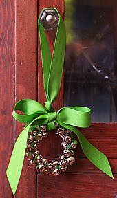 Great little jingle bell door hanger. Easy craft that I've done in the past, but pinning so I won't forget to make some as package decorations this year.