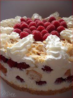 Mennyei málnatorta | Ancsika konyhája Cold Desserts, Summer Desserts, Sweet Desserts, No Bake Desserts, Sweet Recipes, Delicious Desserts, Cake Recipes, Dessert Recipes, Yummy Food
