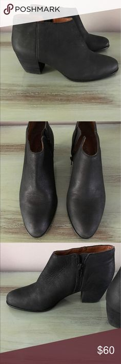 EUC Lucky Brand Black Leather Booties, Size 8 Excellent used condition Lucky Brand black leather booties. Size 8. Worn 2 times. Side zipper. Lucky Brand Shoes Ankle Boots & Booties
