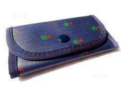 portachiavi Naj-Oleari Centro Botanico #najoleari - #centrobotanico Card Case, Continental Wallet, Symbols, Cards, Vintage, Maps, Vintage Comics, Playing Cards, Glyphs