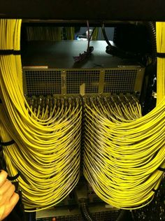 All cables should look as good as this. 23 Photos That Will Make Anyone Who Works In IT Satisfied Engineering Technology, Electrical Engineering, Data Center Rack, Network Organization, Contemporary Baskets, Structured Cabling, Satisfying Photos, Network Infrastructure, Server Rack