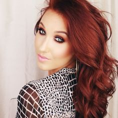 I absolutely love Jaclyn Hill I couldn't agree more!!! :) love her!!!