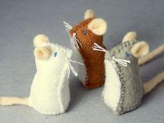 Felted mice  #diy #crafts www.BlueRainbowDesign.com