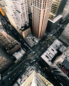 New York City. View from the sky. Did you visit New York City? Fotografia Pb, City Vibe, City Aesthetic, Concrete Jungle, City Photography, Cityscape Photography, Infrared Photography, Photography Hacks, Photography Services