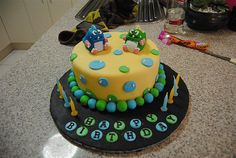 Bubble Bobble Cake.  Learn  Cake Decorating Techniques Using Online Cakes Decoration Courses on http://CakeDecoratingCoursesOnline.com