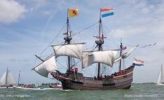 Medemblik - Het in de haven van Hoorn liggend VOC-schip de 'Halve Maen' komt volgende week zaterdag naar Medemblik tijdens de finish van de Delta Lloyd 24-uursrace. Er zijn schepen die de loop van ...