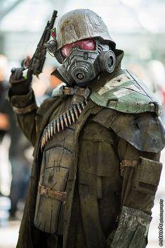Elite Riot Armor Cosplay // Fallout New Vegas Armor Cosplay, Epic Cosplay, Amazing Cosplay, Cosplay Costumes, Anime Cosplay, Ncr Ranger, Ranger Armor, Fallout Cosplay, Fallout Costume