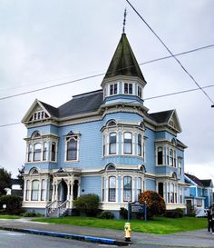 vintagebayareahomes:  Beautiful old Victorian mansion that houses the Redwood Community Action Agency. Eureka, CA (thanks Allison for the photo!)