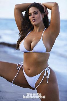 See all the photos of Ashley Graham from the 2018 Sports Illustrated Swimsuit issue. See Ashley Graham in Nevis. Ashley Graham, Playboy, Bikini Modells, Sexy Bikini, Bikini Babes, Sports Illustrated, Photos Free, Looks Pinterest, Mädchen In Bikinis