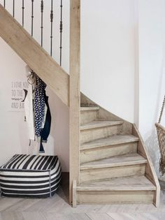 Landelijke trap landelijk wonen pinterest - Deco houten trap ...