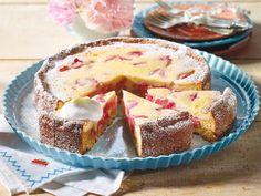 Rhabarberkuchen - fruchtig & frisch! - rhabarber-quarkkuchen