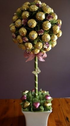 Chocolate Bouquets Brisbane Edible Bouquets Brisbane Blooming Concept Of Candy Bouquet Diy Chocolate Flowers, Chocolate Bouquet, Wrapping Ideas, Craft Gifts, Diy Gifts, Candy Arrangements, Candy Trees, Edible Bouquets, Flower Bouquets