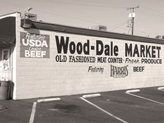 I still go to Wood-Dale Market for their variety of sausages and pork. Tehachapi California, Bakersfield California, Wood Dale, Vintage Signs, Vintage Ideas, Bbq Signs, Kern County, Bar B Que, Central Valley