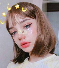 rauchige Augen kühner Lippenstift und Nagelkunst schön smoky eyes, bold lipstick and nail art. Beautiful, natural make-up, make-up idea … – **** Hair – Beauty – Make-up – Modeacces … Cute Makeup, Beauty Makeup, Makeup Looks, Hair Beauty, Beauty Skin, Blonde Beauty, Pretty Makeup, Simple Makeup, Maquillage Normal