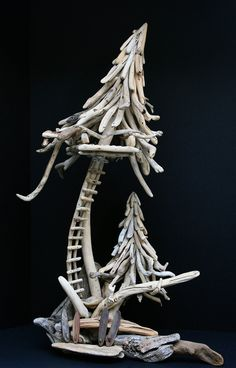 Surfs Up Driftwood Tree Fort - too cute!!!
