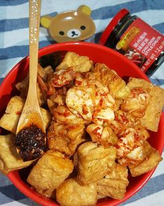 Stanky good!  That's right I'm having stinky tofu with Lee Lum Kee's chiu chow chili oil. Boy does stinky tofu and chili oil go hand in hand.  A year ago I tried Lee Lum Kee's chiu chow chili oil for the first time and have added it in many of my meals ever since. Where is your go-to stinky tofu spot?  More on @LeeKumKeeUSA sauces recipes and summer giveaway on their page. Enter for a chance to win a gift card and bottle of sriracha mayo.  #LeeKumKee #Ad