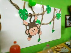 Decor idea for a jungle safari party Jungle Theme Classroom, Jungle Theme Parties, Jungle Theme Birthday, Wild One Birthday Party, Jungle Party, Safari Party, Safari Theme, Classroom Themes, Safari Jungle