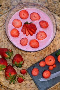 Petiscana: Mousse de Morango [Strawberry Mousse]