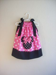 This one is so cute! perfect Minnie dress for disney trip or birthday party