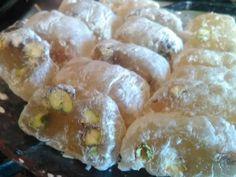 ملبن - الحلقوم التركي - الراحه Turkish Recipes, Arabic Recipes, Ethnic Recipes, Arabic Food, Sushi, Candy, Arabian Food, Sweets, Candy Bars