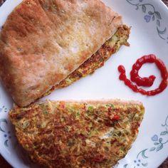 Vegetable garden omelette sandwiched in pita pockets.. Such a filling breakfast!