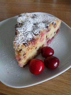 Saftiger Kirsch-Schmand-Kuchen, ein leckeres Rezept mit Bild aus der Kategorie F… Juicy cherry sour cream cake, a delicious recipe with image from the category fruit. Cupcake Recipes, Baking Recipes, Law Carb, Sour Cream Cake, Mojito Recipe, Sweet Cakes, Food Cakes, Cakes And More, Coffee Cake