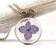wildflower necklace ($51) via Polyvore featuring jewelry, necklaces, white flower necklace, flower pendant necklace, chain necklace, antique jewelry and pendant chain necklace