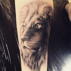 Georgeous Lion Tattoo Designs on the Sleeve - An amazing full sleeve tattoo . - Georgeous Lion Tattoo Designs on the Sleeve – An amazing full sleeve tattoo of Lion the King. Lion Head Tattoos, Leo Tattoos, Bild Tattoos, Tattoos Skull, Animal Tattoos, Future Tattoos, Body Art Tattoos, Tattoo Ink, Tattoos Of Lions