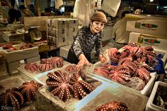 Tokio Covered with the sounds of tiny beeping trucks, vendors shouting for supplies, Tsukiji, Visit Japan, Japanese Culture, Japan Travel, Osaka, Fish Recipes, Farmers Market, Kyoto, Street Food
