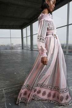 Giambattista Valli Pre-Fall 2018 Collection - Vogue