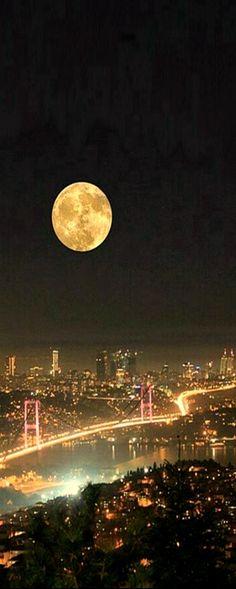 Full Moon Istanbul