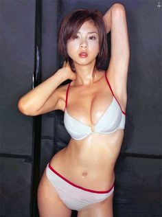Aki Hoshino http://www.pinterest.com/jongho1219/