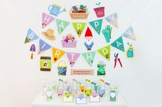Gardening Birthday Party - DIY Party Printable, Gardening Photo Booth Props  | Creative Sense Co  #garden #gardening #gardener #decorations #creativesenseco #diy #craft #party