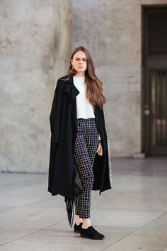 """Street fashion blog, Carolines Mode -Mia  """"Tell me about your outfit, what you are wearing? """" -"""" I'm wearing a coat, pants, bag and top from Zara and shoes from Musette""""  http://carolinesmode.com/stockholmstreetstyle/art/310463/mia/"""