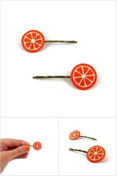 Lot de 2 épingles à cheveux fantaisie rondelles d'orange ou de clémentines - Accessoires de coiffure réalisés sur commande par @savousepate sur aLittleMarket à partir de plastique recyclé (CD) peint - Idée cadeau femme