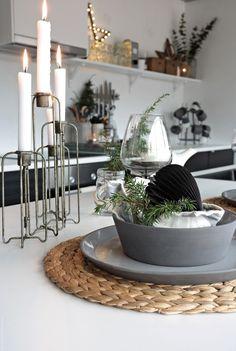 Svenngården Table Decorations, Interior Design, Christmas, Kitchens, Gardens, Cabin, Furniture, Flowers, Home Decor