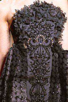 Giambattista Valli Spring 2012 Couture Fashion Show Couture Details, Fashion Details, Love Fashion, High Fashion, Fashion Show, Fashion Design, Couture Embroidery, Couture Embellishment, Lesage