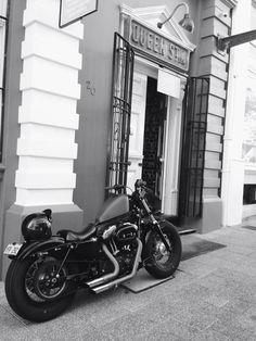 Harley Davidson sportster bobber forty eight 48 custom firestone biltwell LePera
